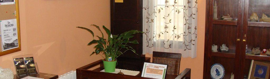 Recepción del hotel La Henera